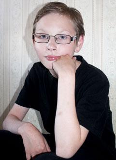 Азамат Ногманов, 13 лет, двусторонняя сенсоневральная тугоухость 1 степени, требуются слуховые аппараты. 175166 руб.