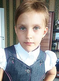 Саша Мирошниченко, 7 лет, врожденный грудопоясничный сколиоз, требуется корсет Шено. 143112 руб.