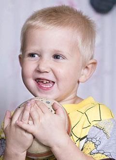 Дима Бутырский, 3 года, врожденный порок сердца, спасет эндоваскулярная операция, требуется окклюдер. 449780 руб.