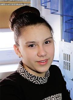 Маша Горовая, 14 лет, посттравматический некроз левой бедренной кости, спасет операция. 2223577 руб.
