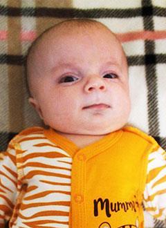Дима Пуршев, 3 месяца, несовершенный остеогенез, требуется курсовое лечение. 1230390 руб.