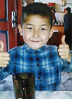 Амир Бихун, 7 лет, послеоперационный дефект твердого и мягкого нёба, множественный кариес, требуется санация полости рта под наркозом и операция. 497000 руб.