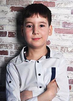 Эмиль Зинатуллин, 11 лет, левосторонний гемипарез, требуется лечение. 199430 руб.