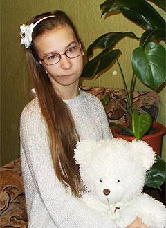 Лиза Панкратова, 13 лет, врожденная деформация челюстей, отсутствие ушной раковины, требуется ортодонтическое лечение. 138713 руб.
