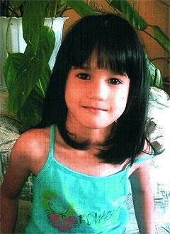 Соня Селезень, 6 лет, расщелина нёба, недоразвитие челюсти, требуется ортодонтическое и логопедическое лечение. 316000 руб.