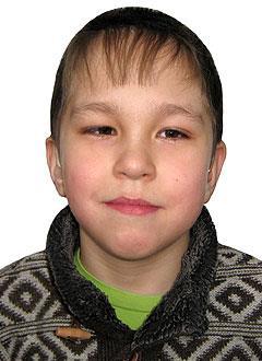 Радмир Насибулин, 9 лет, двусторонняя тугоухость 4-й степени, требуются слуховые аппараты. 242866 руб.