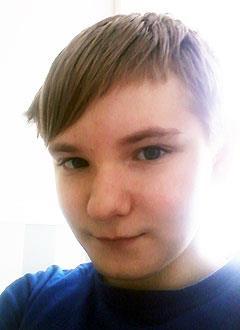 Денис Панкратов, 11 лет, несовершенный остеогенез, требуется курсовое лечение. 527310 руб.