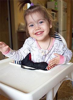 Ксюша Шилова, 3 года, детский церебральный паралич, требуется лечение. 199430 руб.