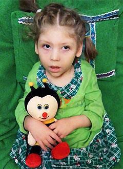 Лера Кудрявцева, 4 года, детский церебральный паралич, требуется лечение. 199430 руб.