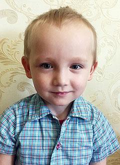 Амир Иззатуллин, 3 года, тяжелый врожденный порок сердца, спасет эндоваскулярная операция. 536945 руб.
