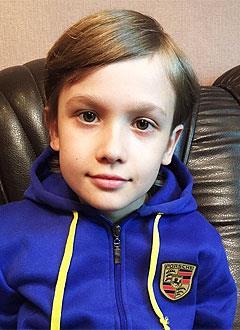 Арсений Дитрих, 8 лет, ложный сустав левой большеберцовой кости, требуется этапное оперативное лечение. 743225 руб.