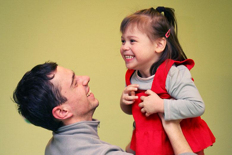 После психоневрологического интерната сложно привыкнуть к тому, что кто-то улыбается тебе просто так